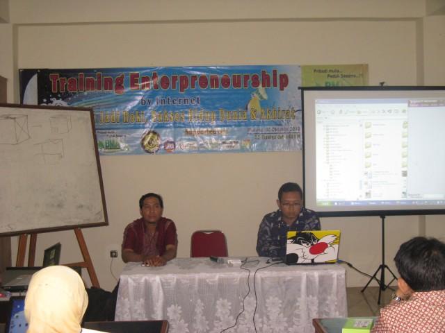 Training Interpreneur by Internet, oleh Bp.Agus PiranhaMas